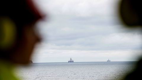 – Equinors strategi kan leses som at de satser fullt og helt på olje og gass som sin hovedidentitet, selv om de har fjernet «oil» fra navnet sitt, sier Bård Lahn, forsker på klimapolitikk ved det norske Cicero-senteret for klimaforskning i Oslo.