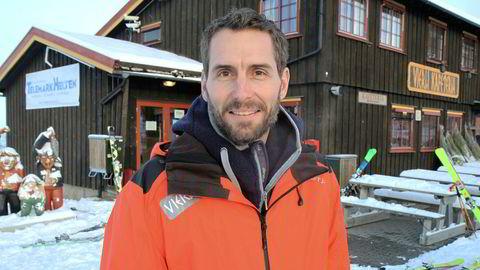 Eksadvokat Alexander Hesselberg ble hyret inn som daglig leder og styreleder i Vierli Eigedom as i august 2013. Av tiltalen fremgår det at han har forsynt seg av penger fra klientkonto i forbindelse med hyttetomtkjøp i regi av selskapet.