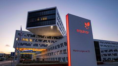 Equinor varsler nedbemanning i utlandet. Her fra kontoret på Fornebu.