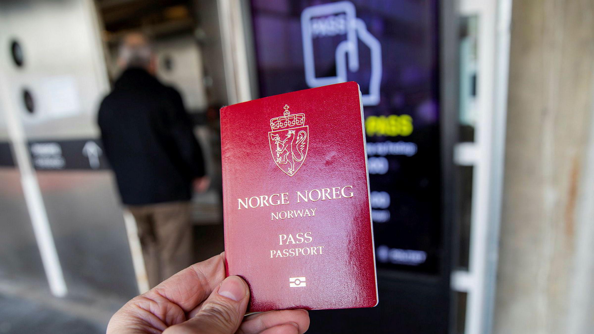 Nesten 40.000 flere enn i fjor har bedt politiet om pass.