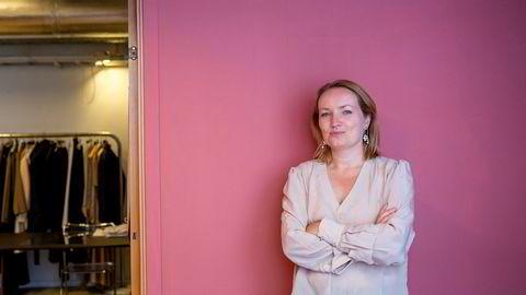 Sjefredaktør og gründer Ida Eliassen-Coker selger aksjer i forlaget IEC publishing as, som gir ut nykommeren Altså. Bladet kan vinne tittelen «årets magasin» og «årets nyskapning» under Medieprisene i september.
