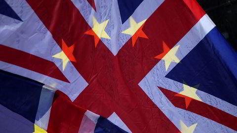Brexit er en del av et transatlantisk bondeopprør, som kan merkes i Frankrike, Ungarn, Italia, Polen, Østerrike og selvsagt USA. Men det skyldes også grunnleggende britiske forhold, skriver artikkelforfatteren.