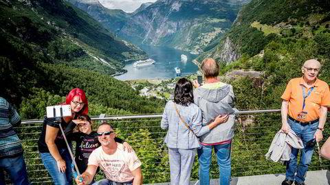 Uten utenlandske turister har det ikke vært kamp om utsiktsplassene over Geirangerfjorden så langt i år.