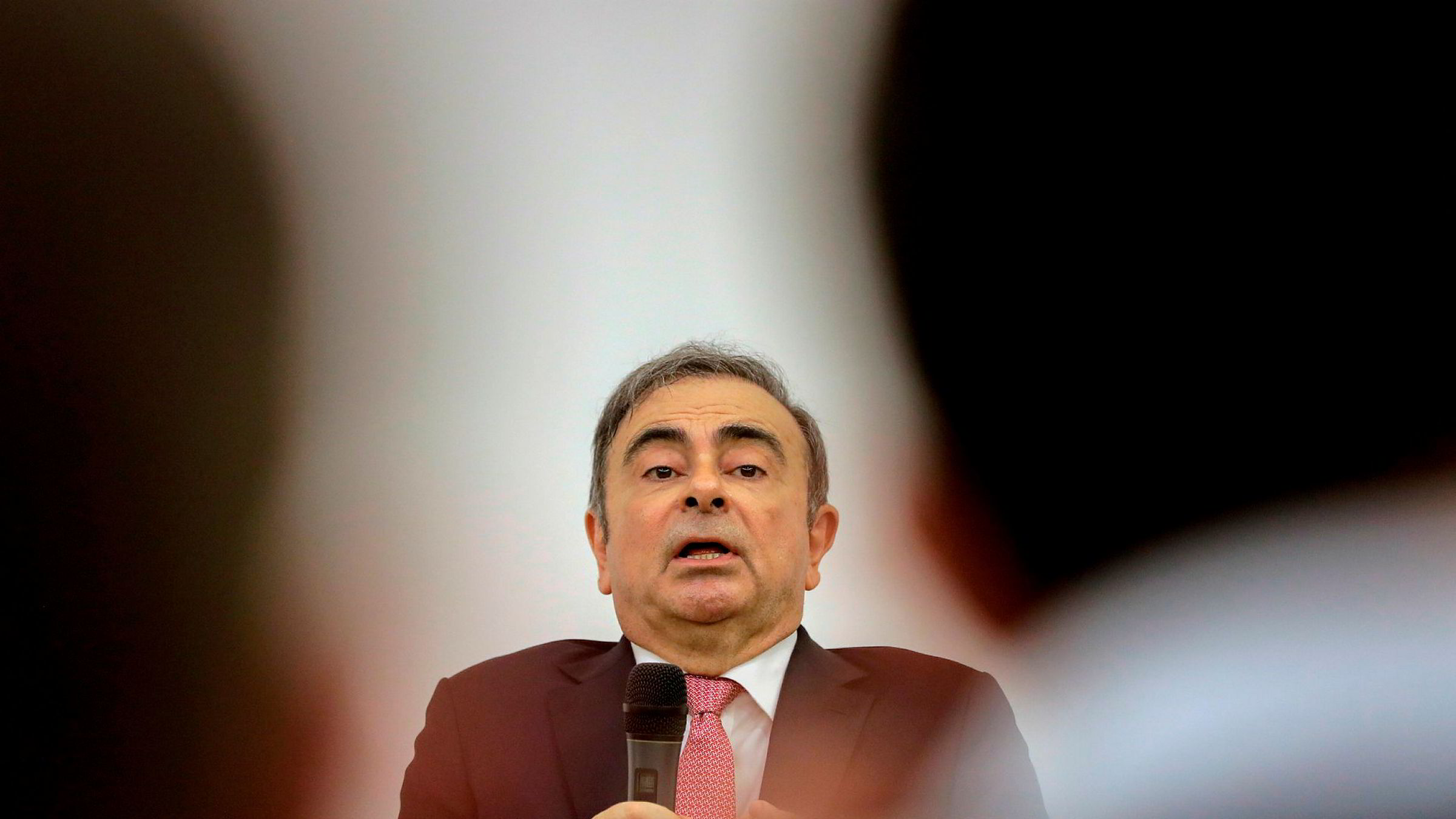 Tidligere Renault-Nissan-sjef Carlos Ghosn får ikke forlate Libanon.