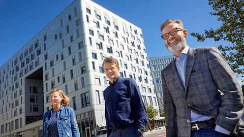 Vipps får Visa som partner i forsøket på å erobre Europa. Fra venstre, internasjonal direktør Berit Svendsen i Vipps, Vipps-sjef Rune Garborg og Norden-sjef Henning Holtan i Visa.