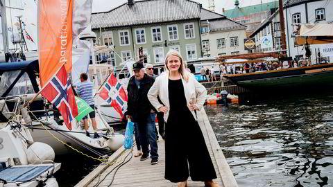 – Det er det laveste vi har registrert siden vi startet denne undersøkelsen i 2012, sier leder Astrid Bergmål i Virke Reiseliv om nordmenns planer for bruk av penger i ferien. Her er hun under et tidligere besøk i Arendal.