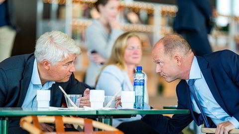 NHOs sjeføkonom Øystein Dørum (til venstre) og NHO-sjef Ole Erik Almlid var med da NHO lanserte «Neste Trekk – veikart for fremtidens næringsliv» på Deichman i Bjørvika i Oslo.