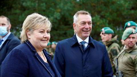 Statsminister Erna Solberg og forsvarsminister Frank Bakke-Jensen måtte legge frem en ny versjon av langtidsplanen for Forsvaret.