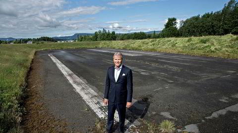Espen Høiby har gjennom OSM Aviation tatt en del av bemanningen om bord i fly for store selskaper internasjonalt. Nå avbrytes samarbeidet med Norwegian. Her fra Fornebu utenfor Oslo, bildet er tatt i 2016.
