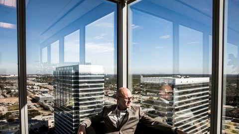 Køen av fornybarprosjekter er ikke lang nok til at gapet kan tettes med fornybar alene – derfor vil det være behov for olje og gass i mange år til, skriver Equinors utenlandssjef Torgrim Reitan i innlegget. Her fotografert på konsernets Houston-kontor.