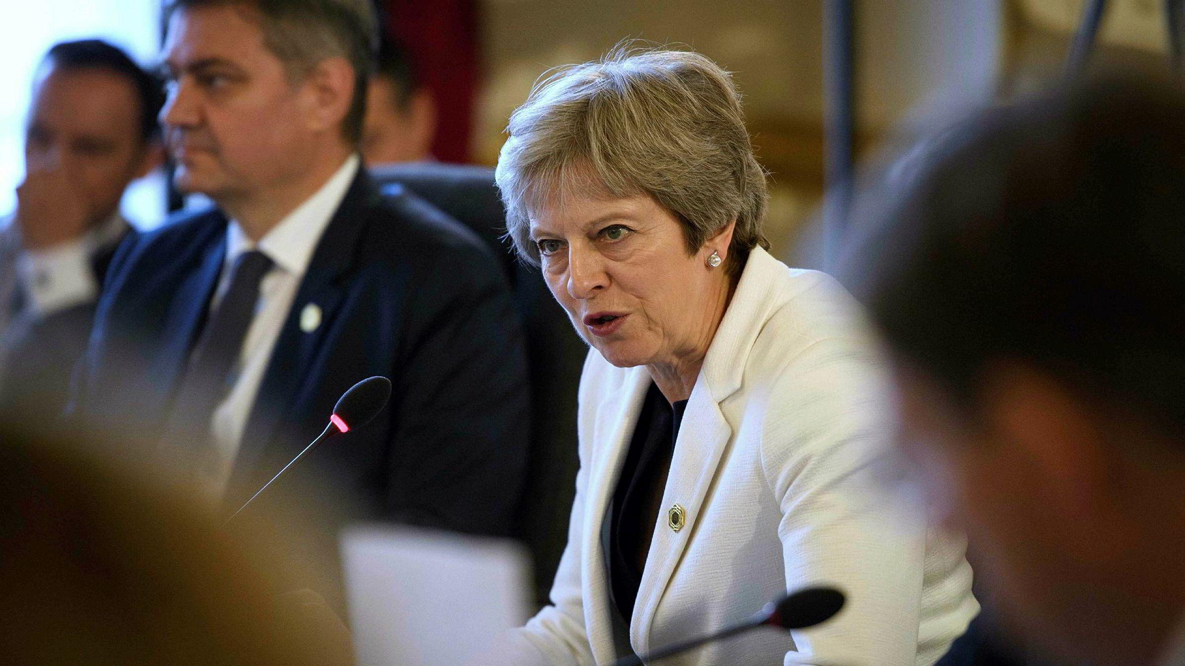 Storbritannias statsminister Theresa May har fått enda større problemer hun må håndtere.