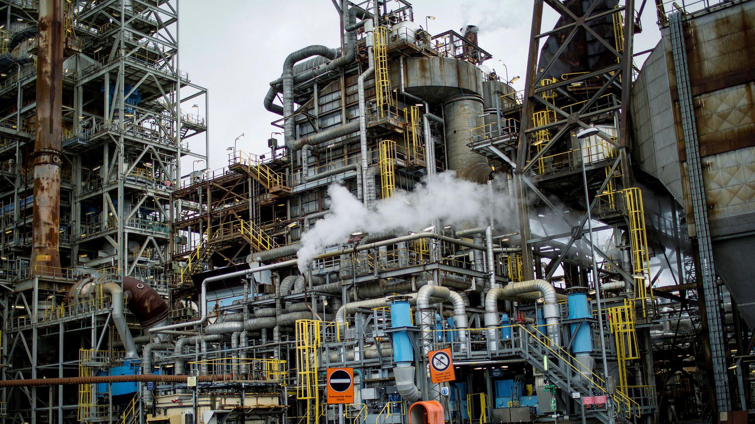 Tradisjonell, konkurranseutsatt industri i Norge er blitt knyttet opp mot den svært lønnsomme og teknologisk avanserte petroleumsnæringen og har opplevd styrket vekst og produktivitet.