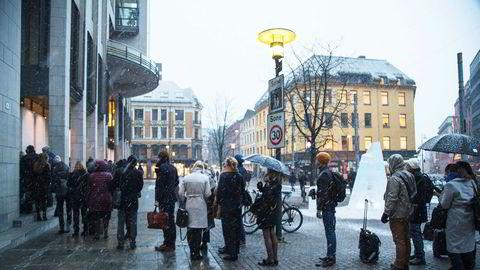 Det var lange køer utenfor Oslo tingrett for historiske rettssaken som Greenpeace, Natur og Ungdom og Besteforeldrenes klimaaksjon har anlagt mot staten. Ankesaken behandles neste år.