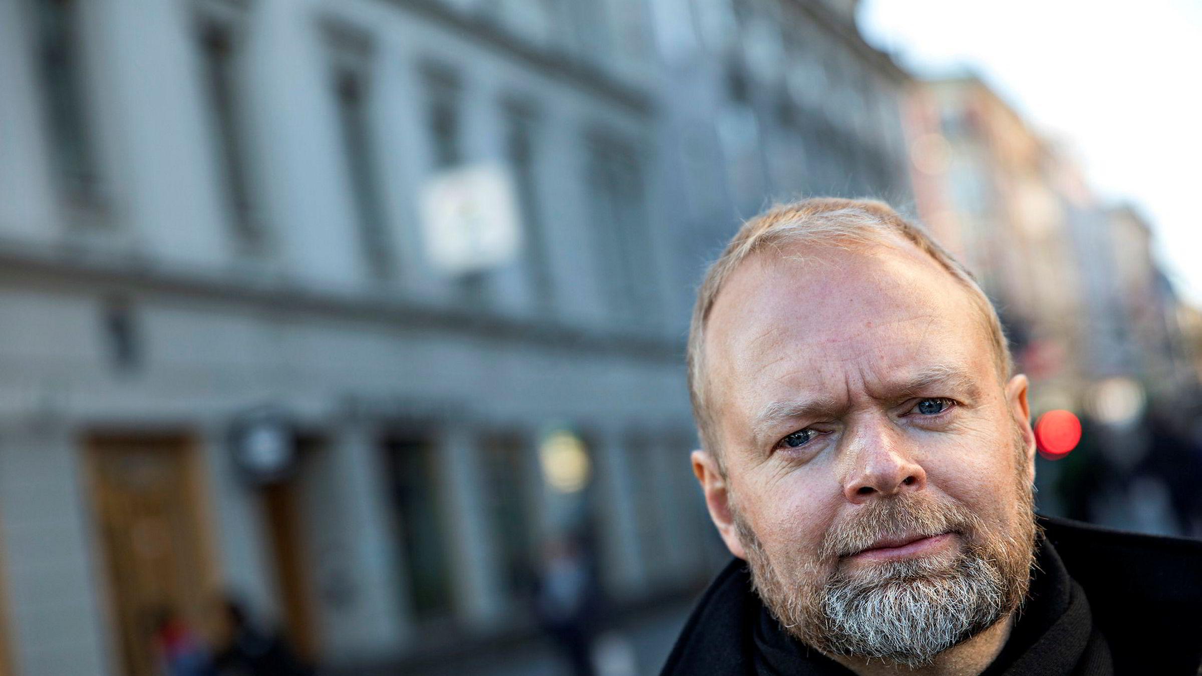 TV 2s sportsredaktør Vegard Jansen Hagen har fått hard kritikk for sin lederhåndtering.
