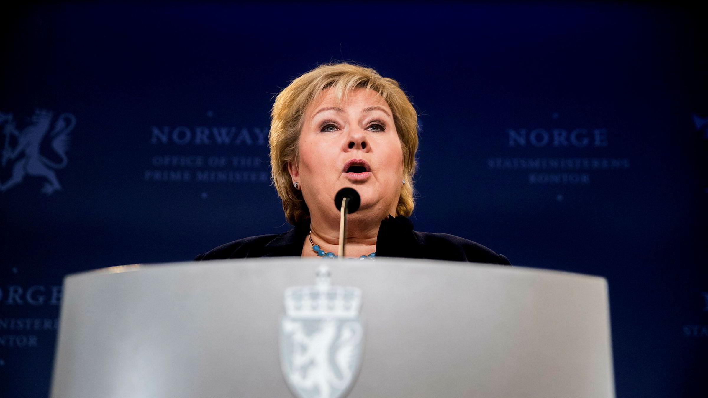 – For Norge er det viktig å vise hvor vi står, sier statsminister Erna Solberg (H) om Norges utvisning av en russisk diplomat.