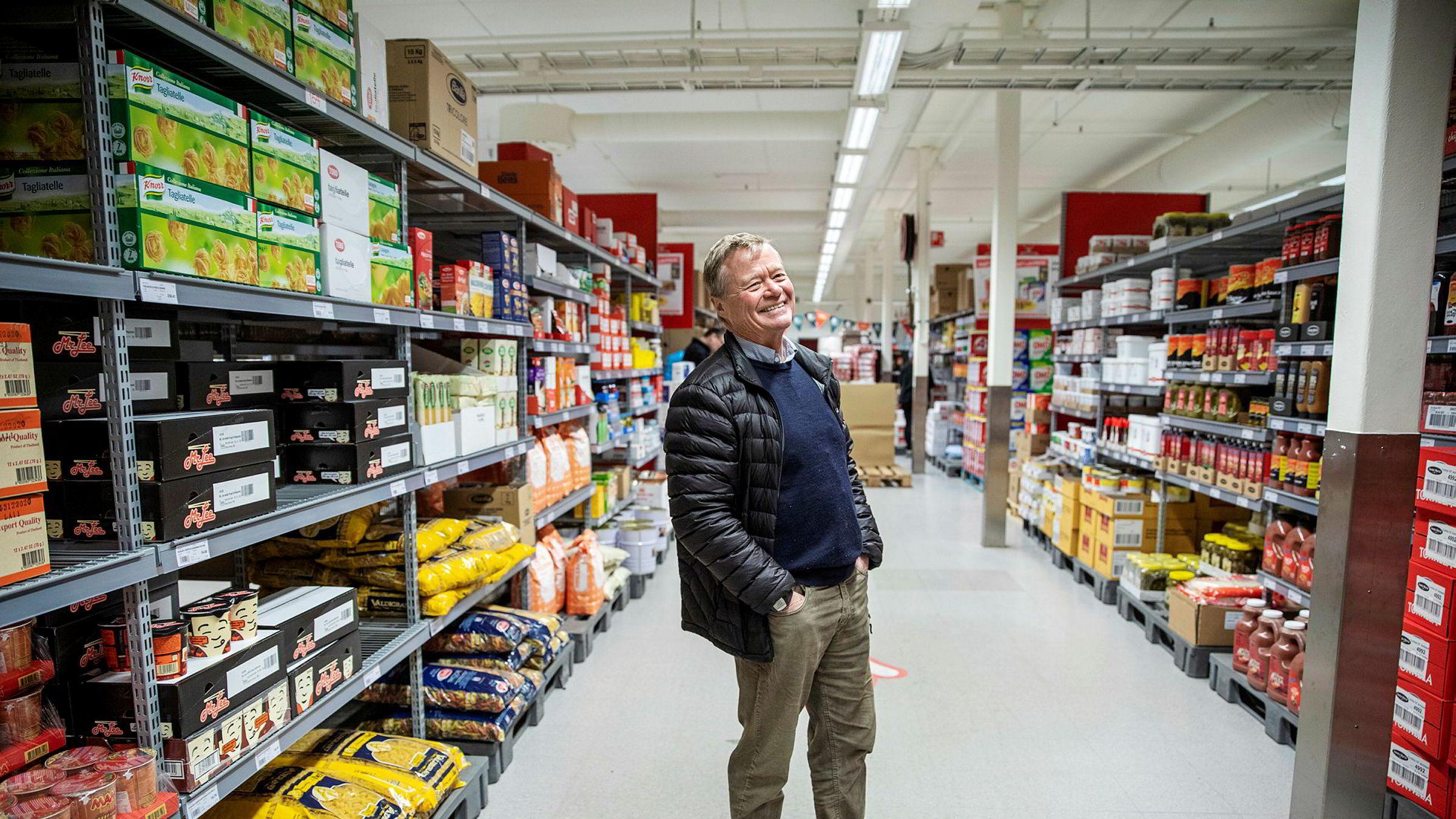 Norgesgruppen-eier Torbjørn Johannson mener at forslaget om prisregulering som regjeringen nå vurderer i praksis vil være tilnærmet umulig å regulere. – Det blir skrivebordsteori, sier Johannsom som her er i storkundebutikken Storcash utenfor Trondheim.