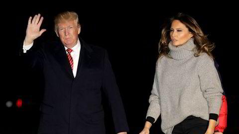 President Donald Trump returnerte fra Thanksgiving-ferie i Florida søndag. Her sammen med førstedame Melania Trump.