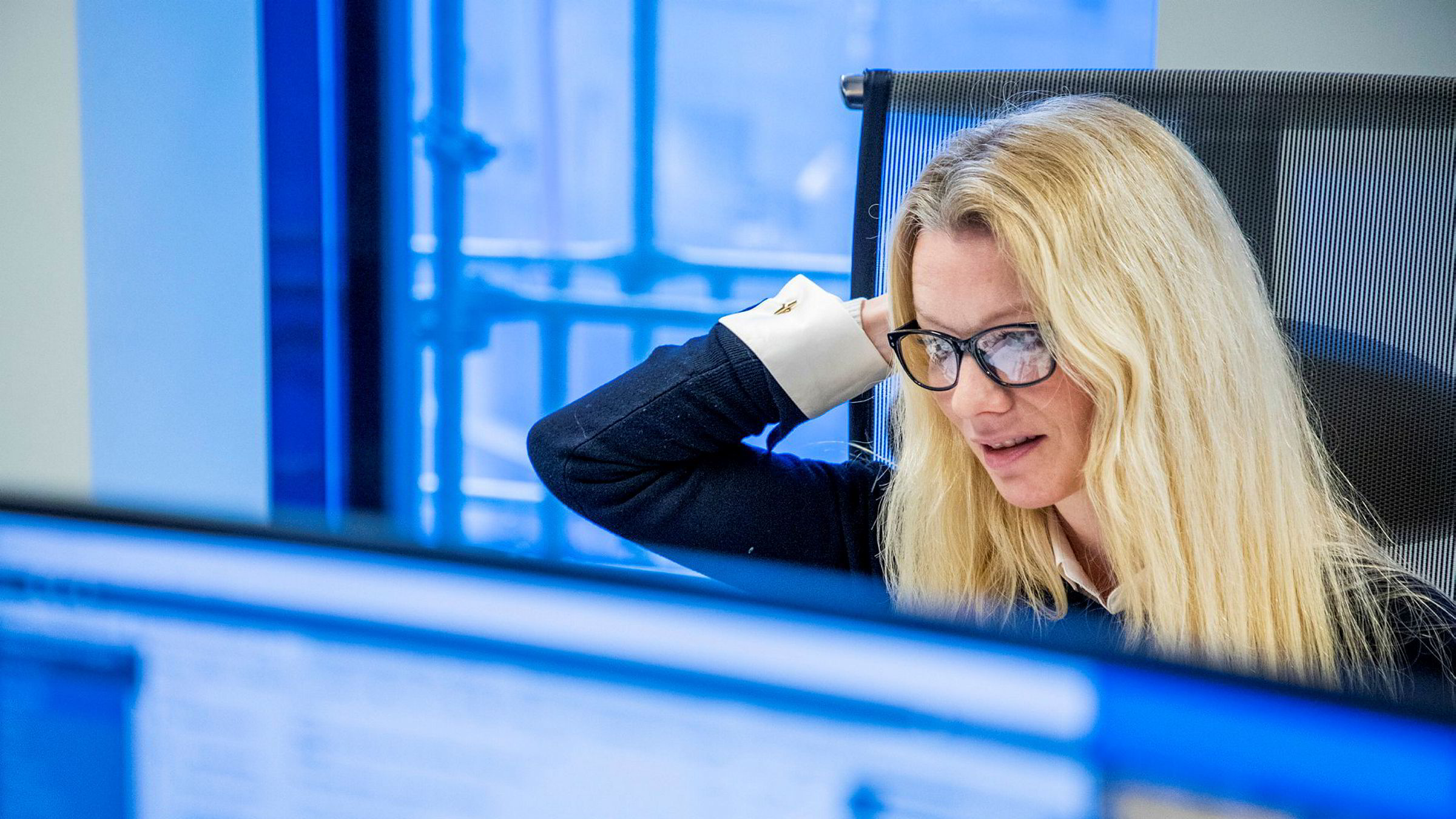Klokken har akkurat passert 09.00. Sjeføkonom Kari Due-Andresen i Handelsbanken reagerer på nedgangen da Oslo Børs åpnet.