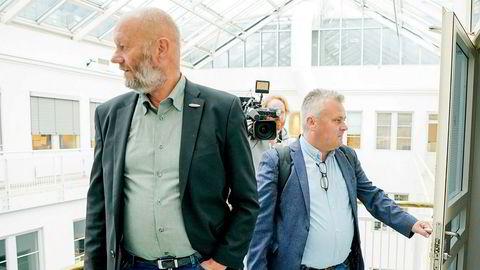 Administrerende direktør Stein Lier-Hansen i Norsk Industri og Fellesforbundets leder Jørn Eggum ble til slutt enig i årets lønnsoppgjør – 23 timer på overtid.