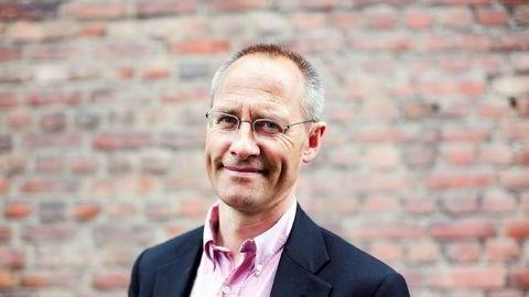 Professor Guttorm Schjelderup er skeptisk til kontrakten mellom Norges Bank og Nicolai Tangen som ble lagt frem torsdag.