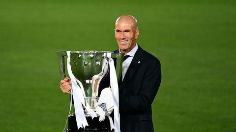 Zinedine Zidane er antagelig stolt av å ha vunnet La liga med Real Madrid i år. Men er det mulig å være både stolt og ydmyk samtidig, eller er det en klisjé?