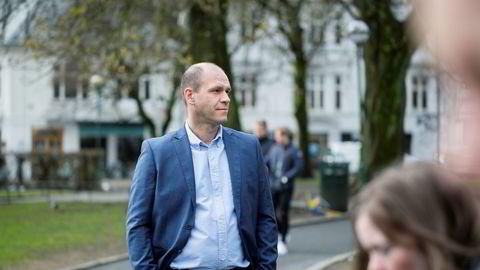 Når skolebarna holdes hjemme, er tusenvis av lærervikarer sendt ut i permitteringer. Her er konsernsjef Rune Myrseth i moderselskapet Eterni.