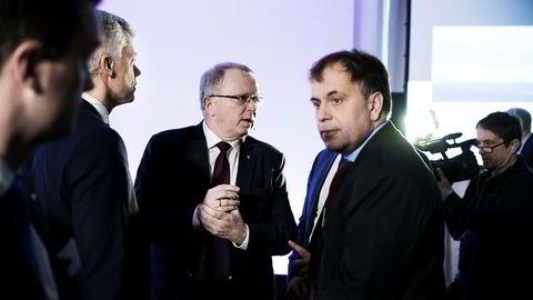Statoil med konsernsjef Eldar Sætre og Hans Jakob Hegge, konserndirektør økonomi og finans, har fått en skatteregning på nær fire milliarder kroner av norske myndigheter. Her er de flankert av Svein Skeie, Statoils mest drevne regnskapsmann.