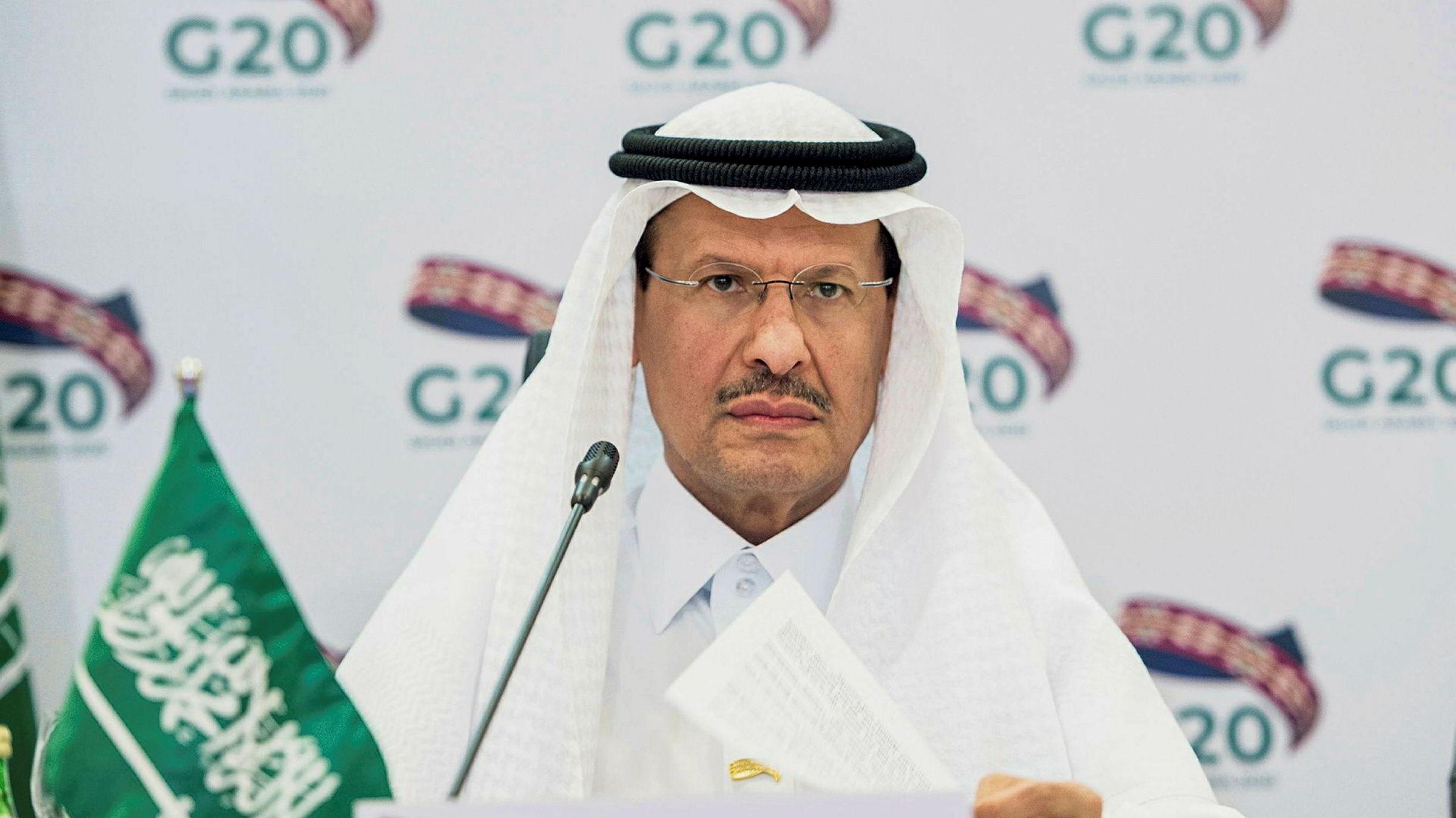 Abdulaziz bin Salman tror produksjonskuttene kan bli større enn 9,7 millioner fat om dagen.