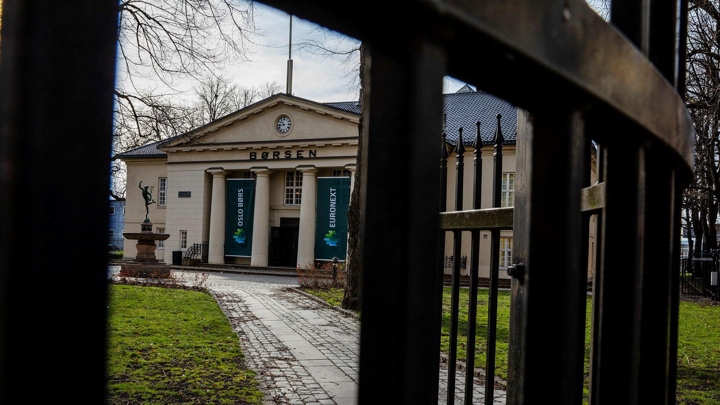 Hovedindeksen på Oslo Børs har falt 20 prosent i år.