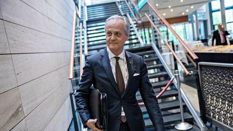 – Bankene har store verdier å bevare, og man burde derfor kunne forvente mer handling og initiativ fra deres side. Dessverre synes det ikke som om bankorganisasjonene evner oppgaven. Bankene velger å utsette problemene og lever med håp, sier Kristian Siem. Her under Nor Shipping-konferansen på Lillestrøm i 2017.