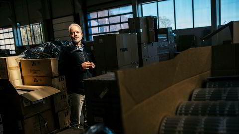 Fra lageret like utenfor Sandefjord har Eric Sandtrø og nettbutikken Fjellsport sendt ut lastebillass med varer til sports- og friluftsliv etterhvert som nordmenn kastet seg på turbølgen.