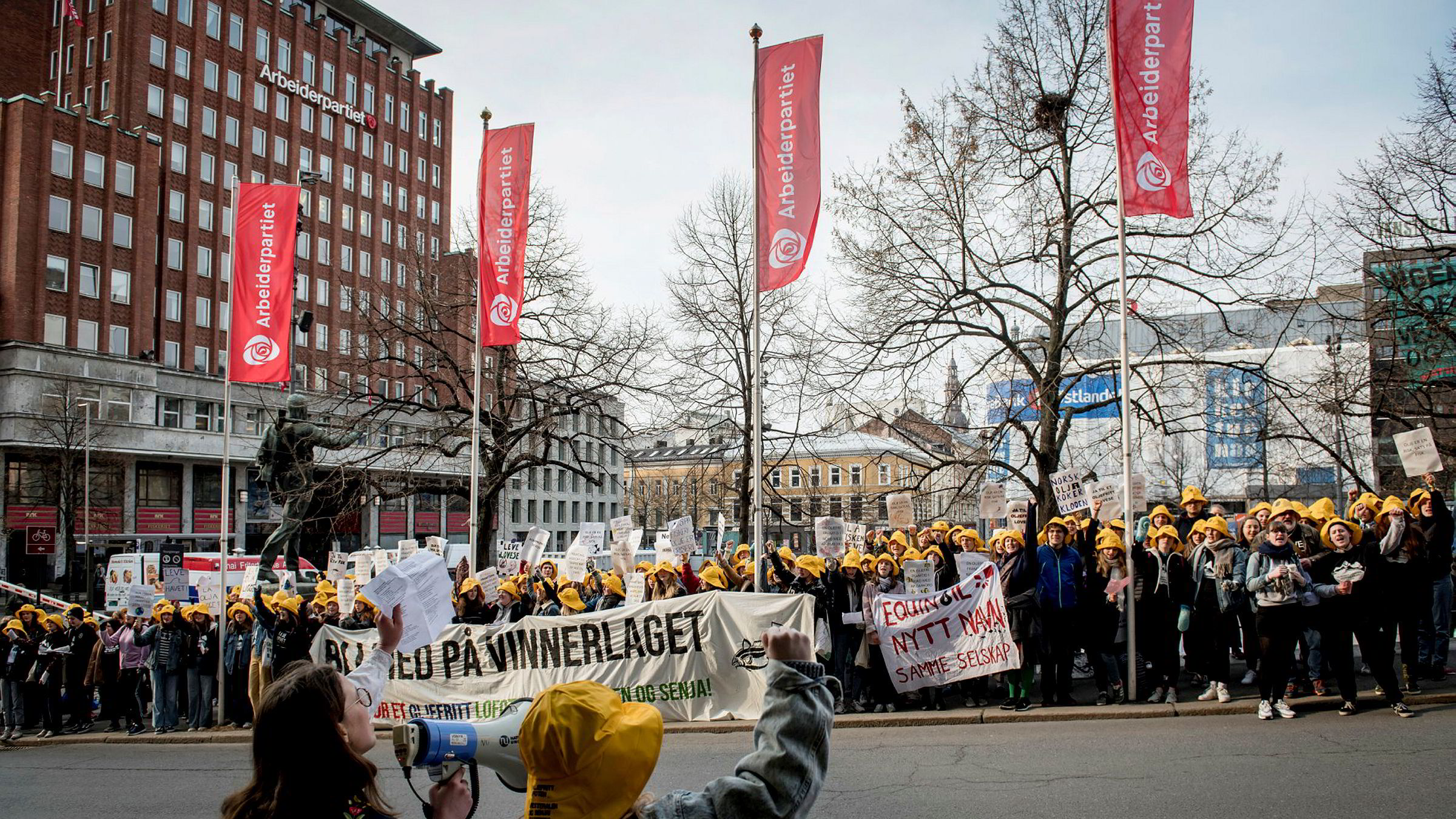 Nylig har Oslo Høyre tatt til orde for å verne Lofoten, Vesterålen, Senja og Barentshavet Nord for oljevirksomhet, skriver Kari Due-Andresen. Demonstranter oppfordret i fjor delegatene på Aps landsmøte til å stemme mot konsekvensutredning av Nordland 6, området utenfor Lofoten, Vesterålen og Senja.