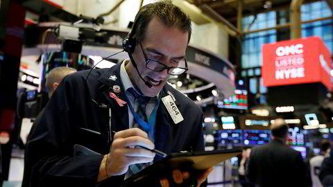 Børsmegler Gregory Rowe på gulvet på New York Stock Exchange har hatt en meget tøff uke.