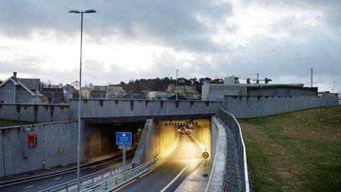 Hundvågtunnelen i Rogaland, her sett fra Hundvågkrossen/Rosenberg, ble langt dyrere å bygge for arbeidsfellesskapet Kruse Risa enn det de beregnet blant annet som følge av grunnforholdene.
