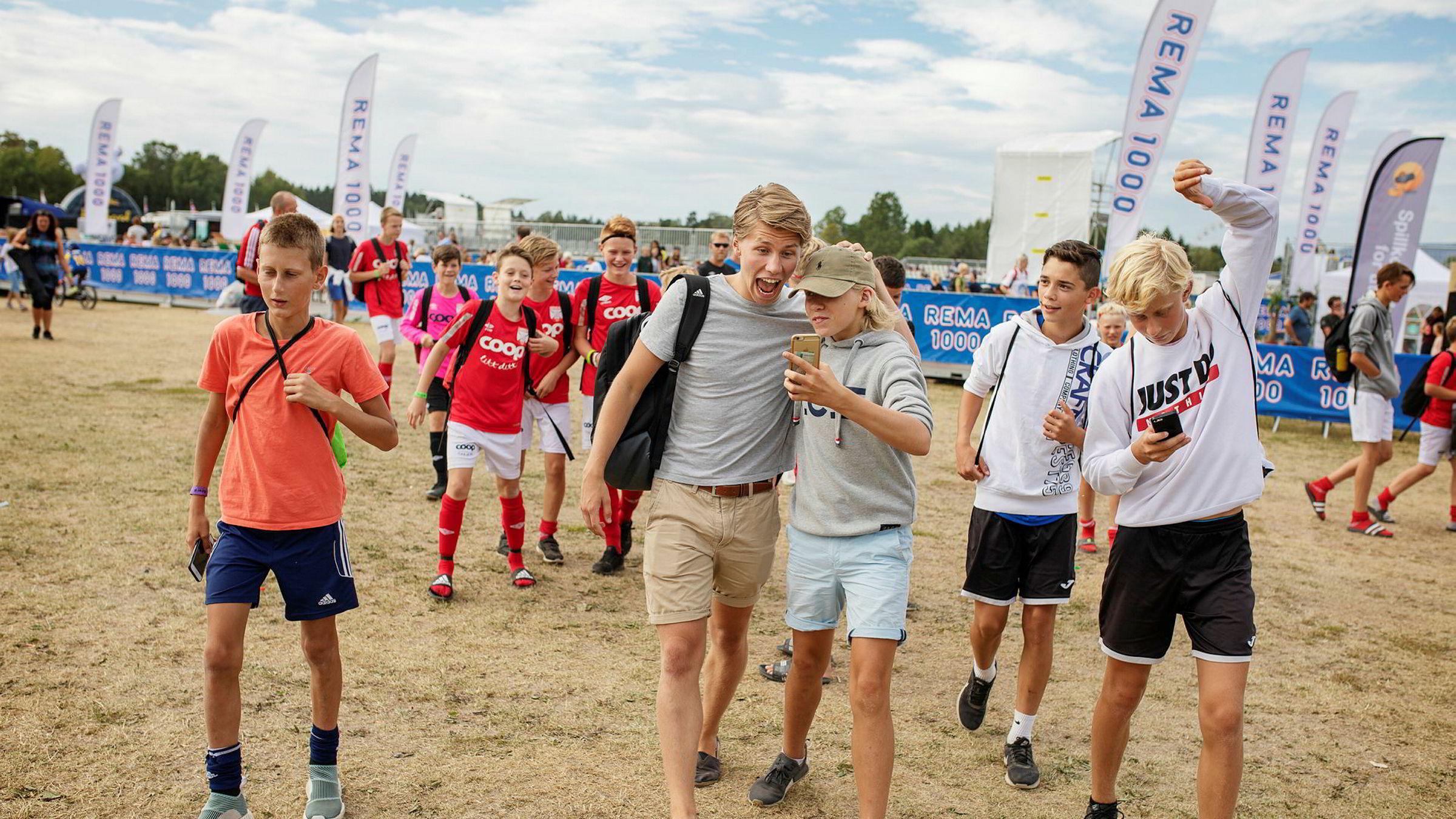 Sander Austad Dale, også kjent som Randulle på Youtube, deltok denne uken på Norway Cup for å møte fans og skape blest rundt arrangementet.