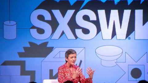 EUs konkurransesjef Margrethe Vestager vil undersøke om Apple stenger ute konkurrenter på mobilbetaling i strid med konkurransereglene. Her fra en teknologikonferanse i Austin i Texas i fjor.
