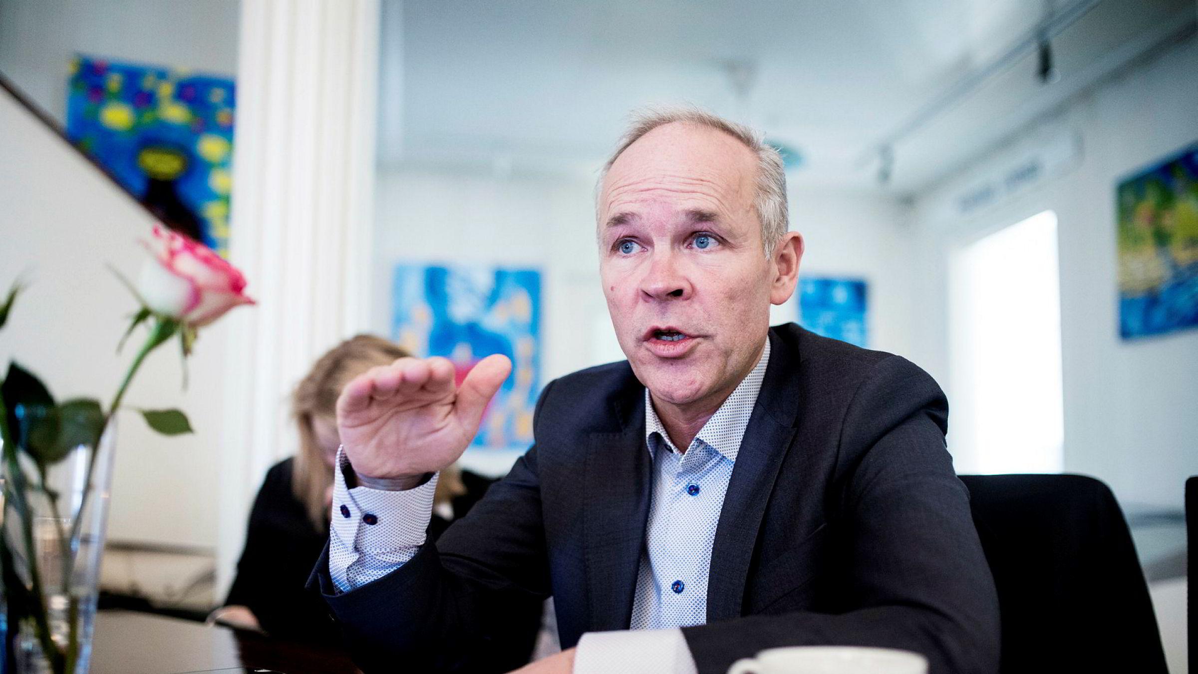 Jan Tore Sanner foreslår store endringer i byggteknisk forskrift neste uke.