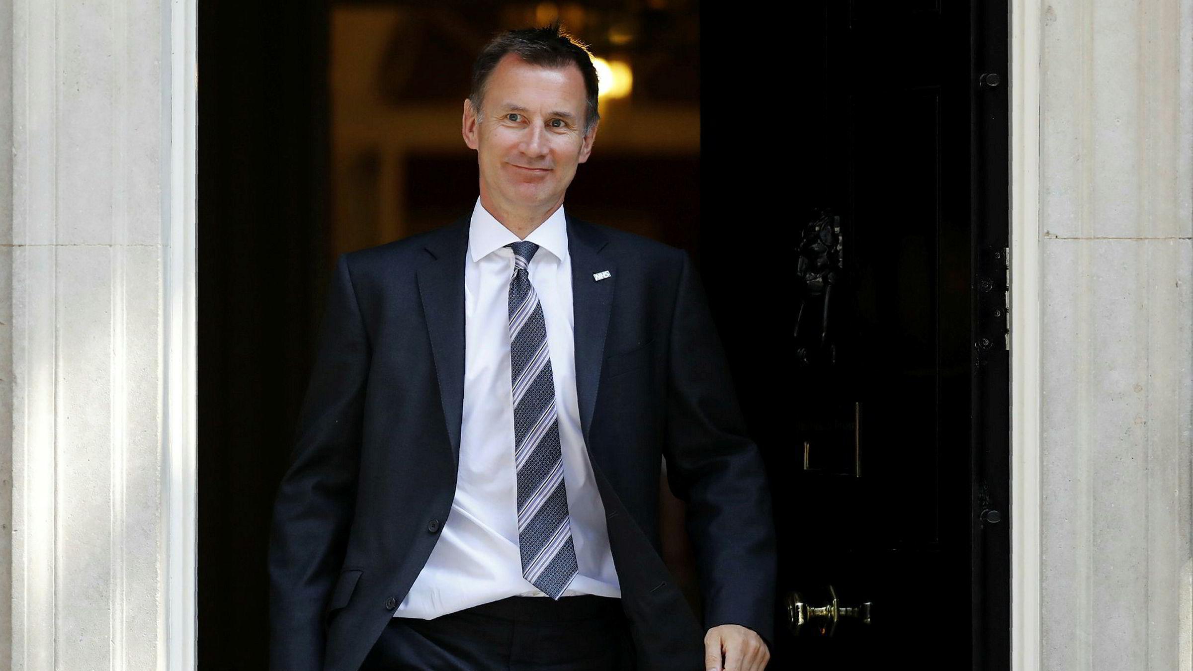 Jeremy Hunt er Storbritannias nye utenriksminister, etter at Boris Johnsen trakk seg mandag ettermiddag.