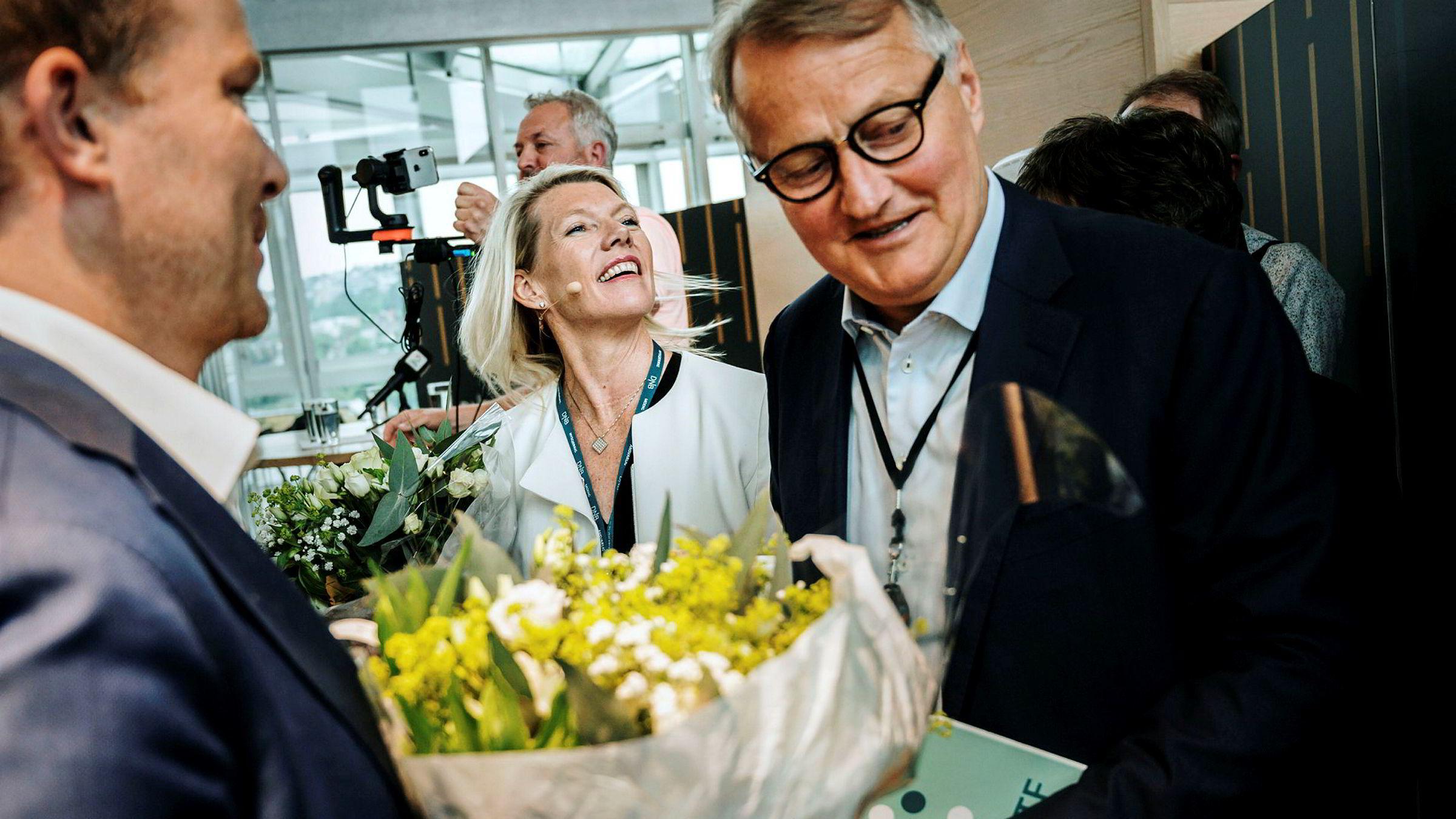 Ny DNB-sjef Kjerstin Braathen og gammel DNB-sjef Rune Bjerke.