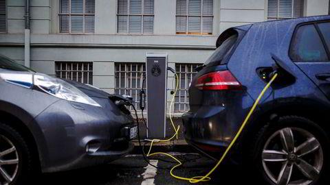 Vi må trappe ned subsidiering av elbiler, mener innleggsforfatteren.
