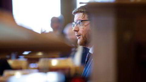 Stortingsrepresentant Martin Henriksen har ledet Arbeiderpartiets nordområdeutvalg som anbefaler å bygge Nord-Norgebanen.