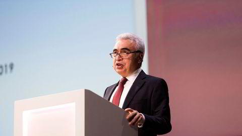 Fatih Birol i Det internasjonale energibyrået (IEA) ber om ytterligere produksjonskutt. her fra en konferanse i regi av Equinor.