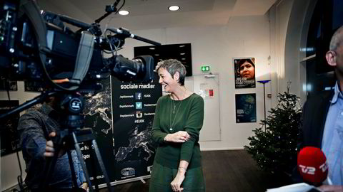 EU-kommissær Margrethe Vestager er hjemme i København før jul og blir intervjuet av dansk TV 2.