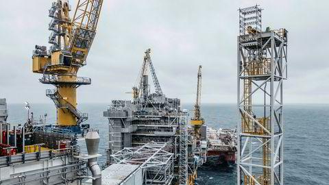 Oljeprisen er over halvert siden nyttår, noe som har ført til snakk om kutt i oljeproduksjon også i Norge. Her Johan Sverdrup-feltet i Nordsjøen.