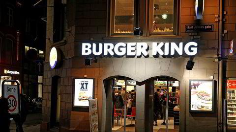 Umoe Restaurants selger sine 128 heleide Burger-King restauranter, her fra restauranten i Karl Johans gate i Oslo.