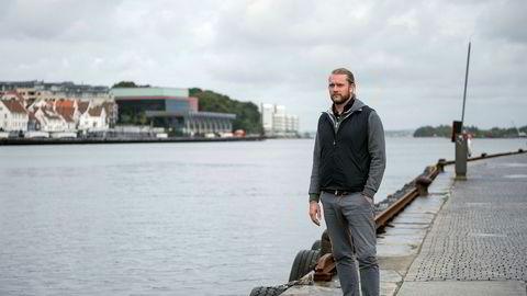 De siste årene har vært økonomisk tunge for Petter Smedvig Hagland. Nå kjemper han for å få på plass en refinansiering.