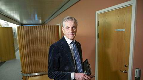 Jonas Gahr Støre mener det er et stort behov for arbeidskraft i offentlig sektor.