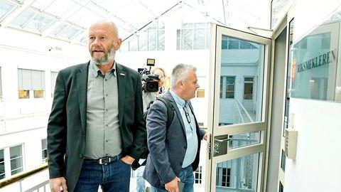 Stein Lier-Hansen i Norsk Industri og Fellesforbundets leder Jørn Eggum møter Riksmekleren i et forsøk på å bli enig i årets lønnsoppgjør.