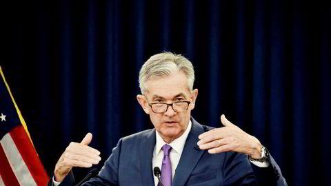 Fed-sjef Jerome Powell lar styringsrenten stå uendret.