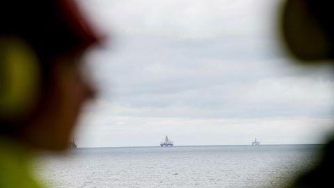 Nedgangen i oljeinvesteringene kommer på et maksimalt ugunstig tidspunkt for norsk økonomi, skriver Torbjørn Eika og Helga Birgitte Aasdalen i KS. Her fra Troll-feltet.